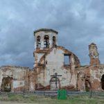Патриарх Кирилл обеспокоен судьбой разрушающихся деревенских храмов
