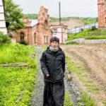 Как зарабатывает средний монастырь